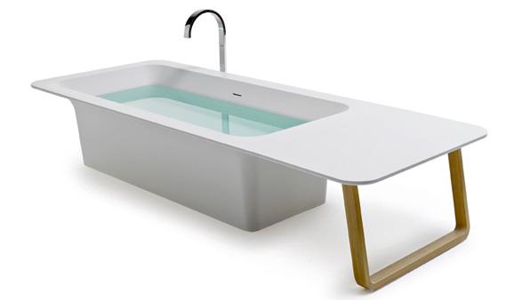 La très belle baignoire Origami de Stocco, en solid surface, n'est plus fabriquée aujourd'hui.