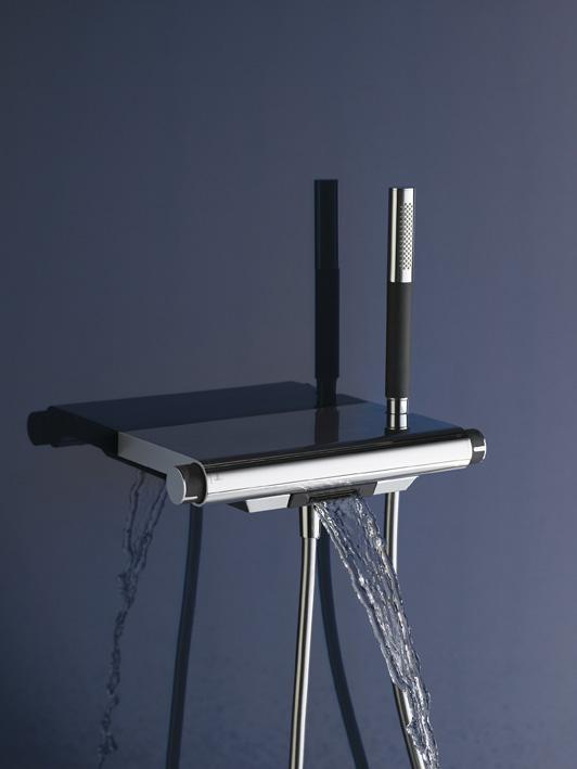 sympa la robinetterie tag re. Black Bedroom Furniture Sets. Home Design Ideas