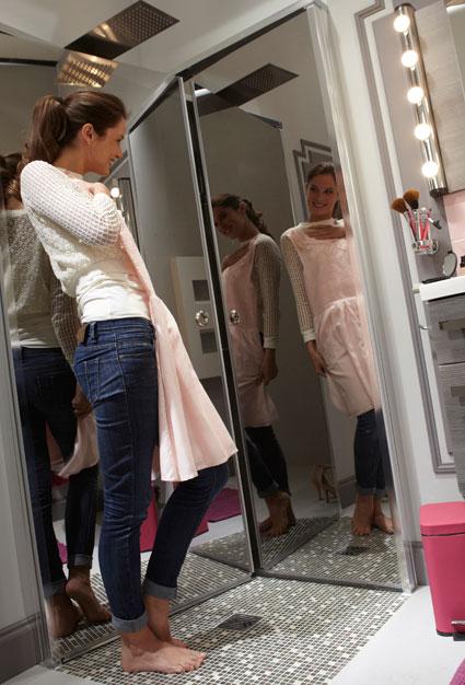 2 parois de douche repliables et gain de place i styles de - Paroi de douche miroir ...