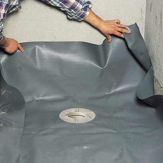 Etanch ifier une douche de plain pied avec un film en pvc for Etancheifier joint carrelage