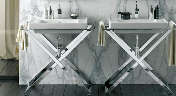 Un lavabo sur pi tement ou console m tal ou bois - Carreler une salle de bain ...