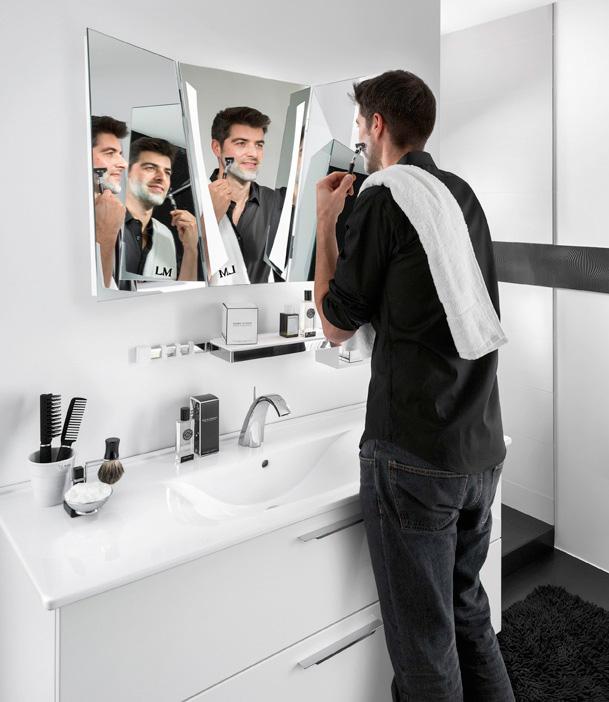 grands et petits miroirs pour la salle de bains. Black Bedroom Furniture Sets. Home Design Ideas