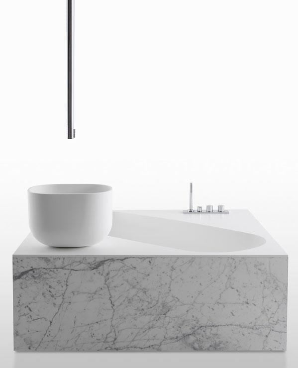 La salle de bains lot tendance et sans limite for Baignoire ilot compacte