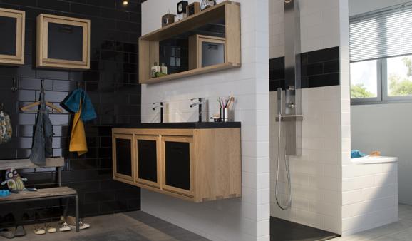 cette salle de bains familiale agence par castorama soffre le luxe dintgrer les trois fonctions meuble vasque baignoire et douche tout en les - Douche Salle De Bain Castorama