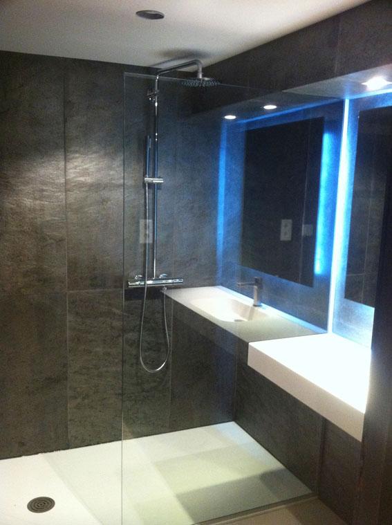 un nouveau mat riau la feuille de pierre i styles de bain. Black Bedroom Furniture Sets. Home Design Ideas