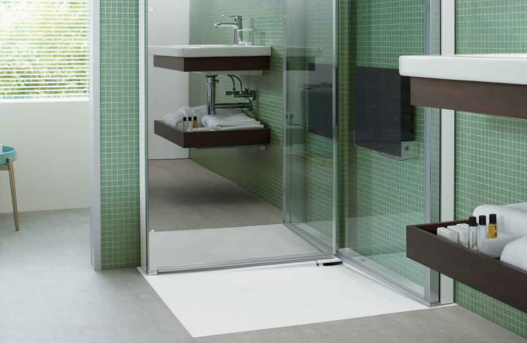 2 parois de douche repliables et gain de place i styles de for Salle de bain gain de place