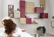 des cubes en guises de rangement pour la salle de bains