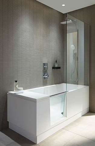 shower bath de duravit une baignoire douche porte design et pratique styles de bain. Black Bedroom Furniture Sets. Home Design Ideas