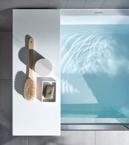 shower bath de duravit une baignoire douche porte design et pratique styles de bain. Black Bedroom Furniture Sets. Home Design Ideas