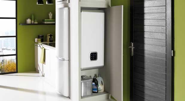 3 chauffe eau lectriques rectangulaires et gain de place. Black Bedroom Furniture Sets. Home Design Ideas