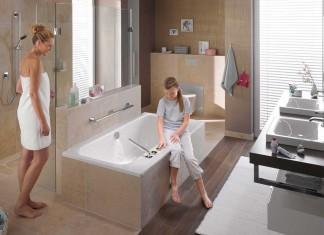 Agencer une salle de bain avec douche et baignoire