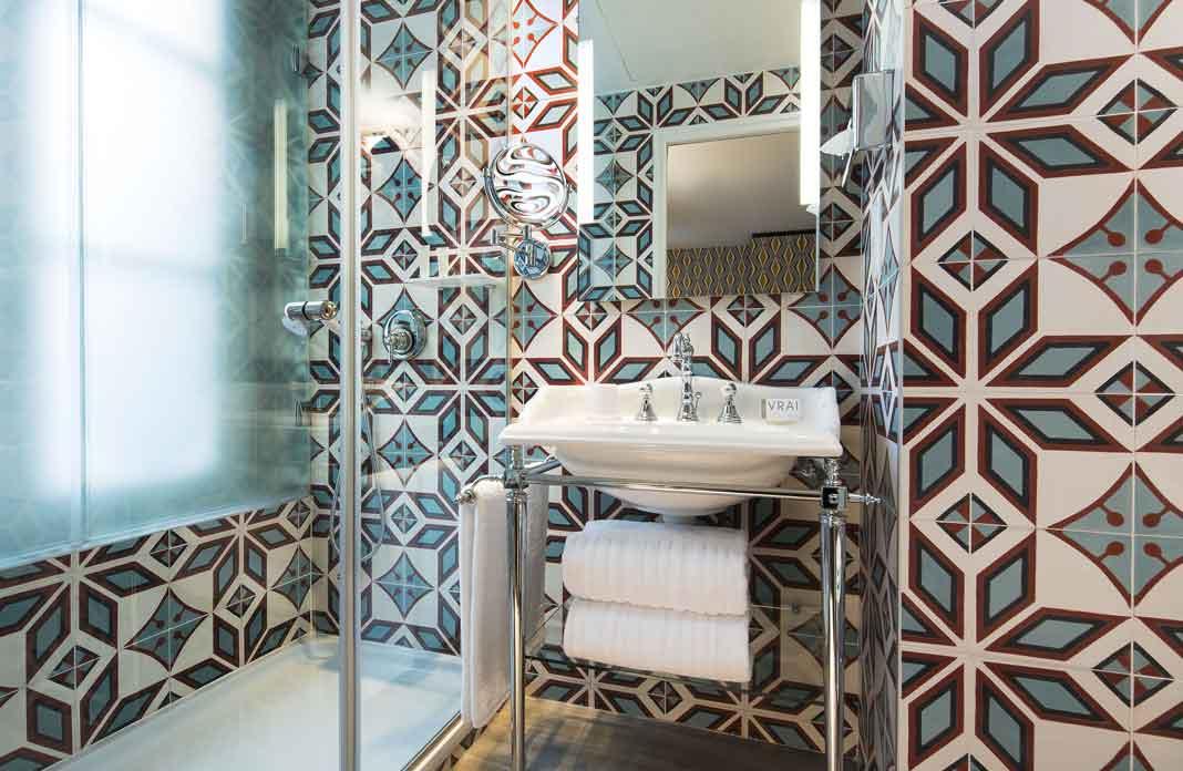 Extrêmement La salle de bains rétro : un must dans l'hôtellerie IW39