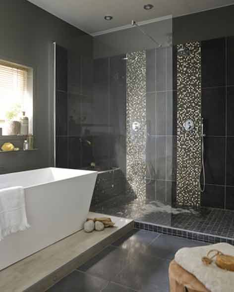 Salle de bain avec fenetre dans la douche salle de bains - Leroy merlin salle de bain douche italienne ...