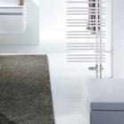 Un radiateur claustra pour isoler le WC dans la salle de bain