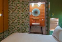 Salle de bains esprit brocante
