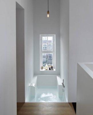 salle de bains en solid surface