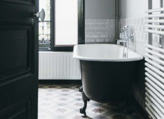Une salle de bains au charme rétro