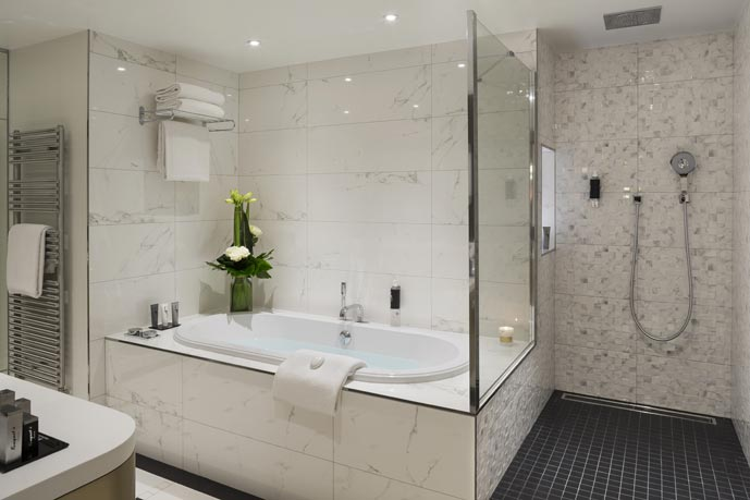Awesome Muret Entre Baignoire Wc Gallery - House Design ...