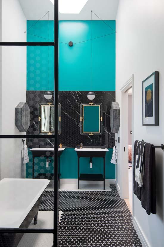 Beautiful salle de bain turquoise et blanc ideas for Deco salle de bain turquoise