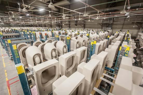fabrication de céramique sanitaire à l'usine Duravit de Bischwiller en Alsace