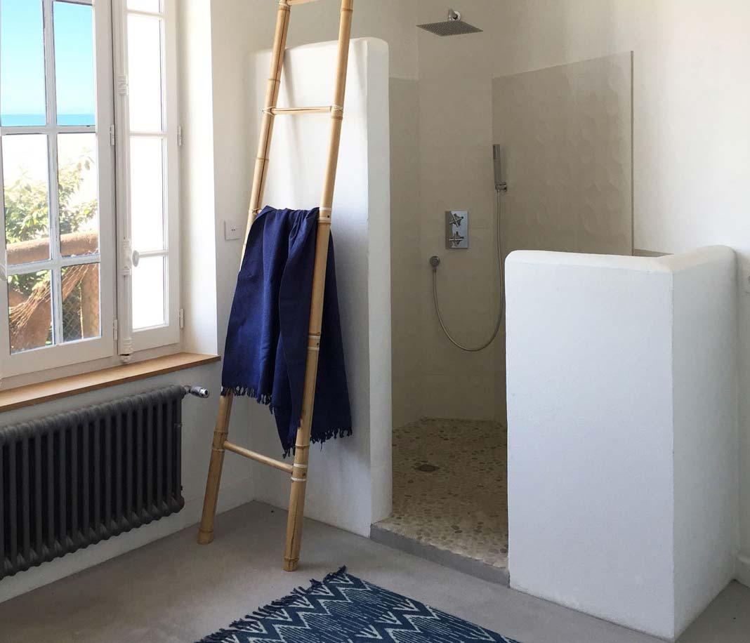 Douche italienne maconnee maison design - Cabine de douche italienne ...
