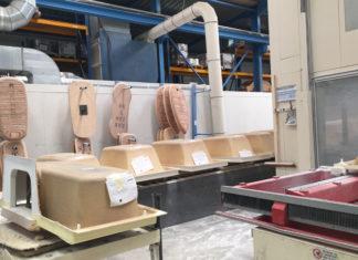 Baignoire en acrylique en cours de fabrication
