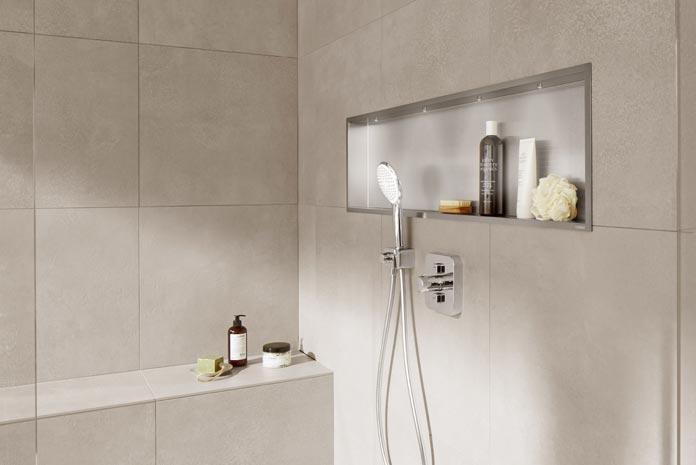 Une niche dans une douche