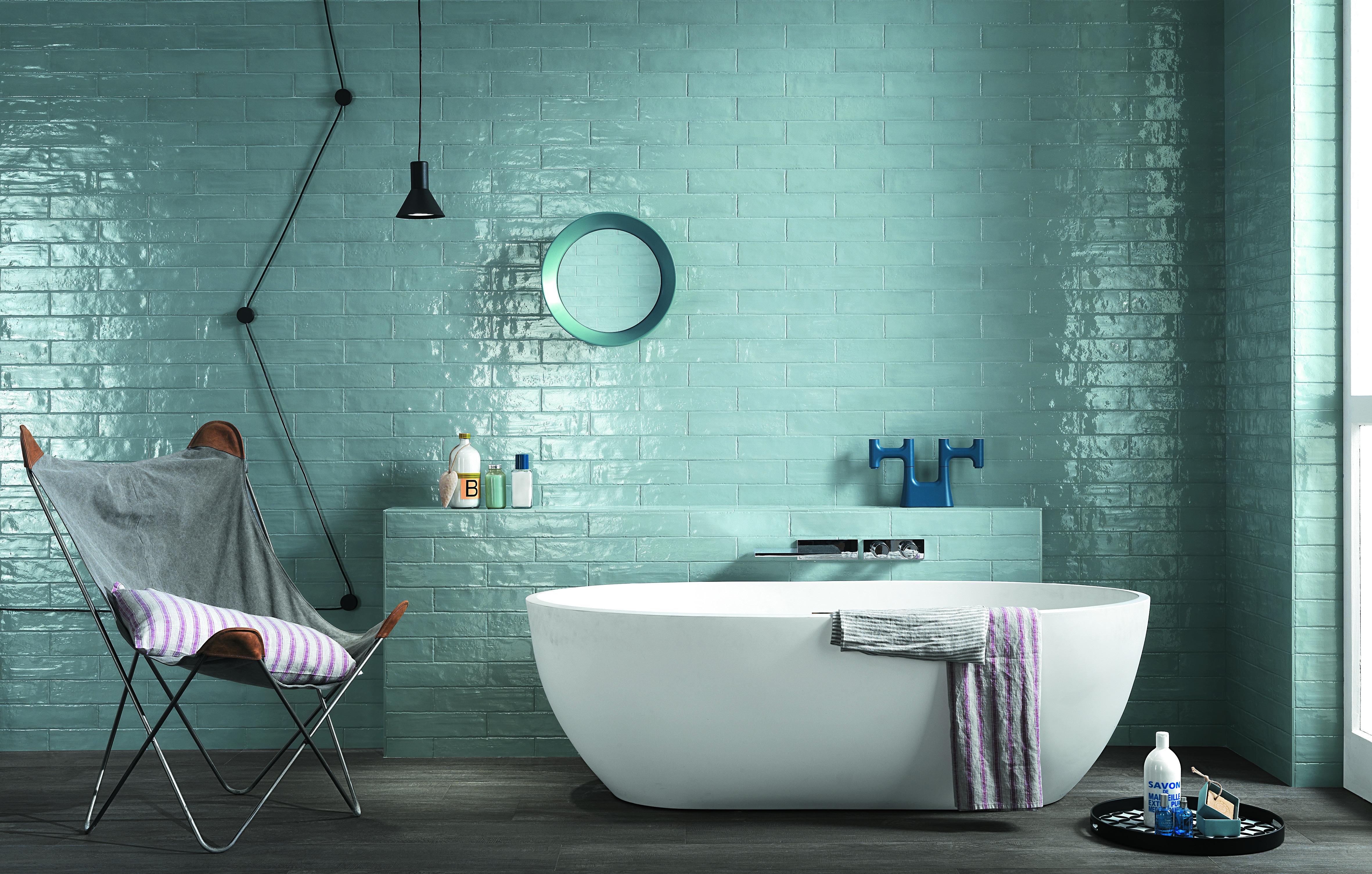 Carrelage Salle De Bain Bleu Turquoise 5 idées originales pour carreler la salle de bains | styles