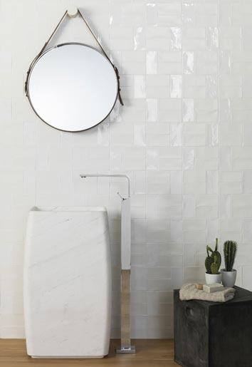 idées originales pour carreler la salle de bain : en variant les finitions