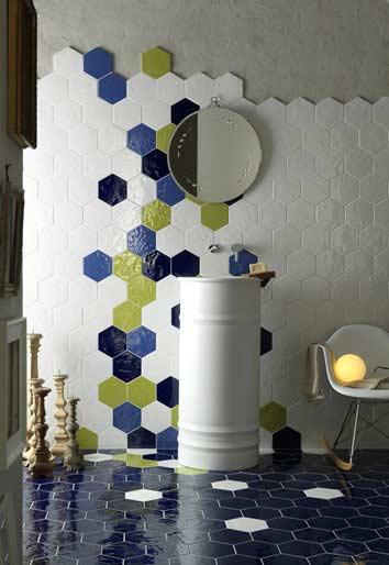 idées originales pour carreler la salle de bain : avec une bordure irrégulière