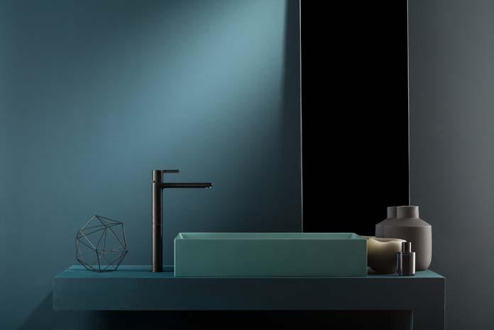 Une seule couleur dans la salle de bain : le bleu