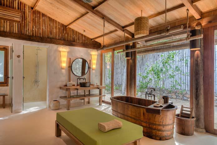 Les salles de bains des hôtels Six Senses, le Ninh Van Bay, Vietman