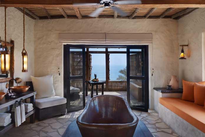 Salle de bains dans l'hôtel Six Senses Zighy Bay, Oman