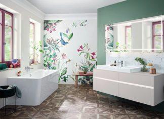 Salle-de-bains-lumineuse-à-la-décoration-printanière