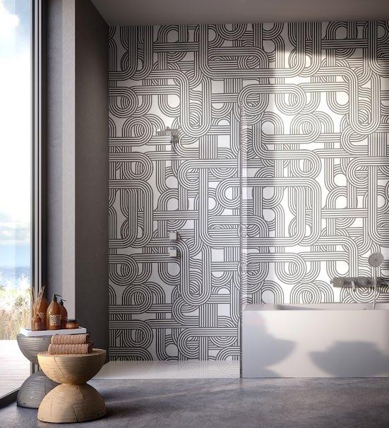 Papier peint motif gris, salle de bains