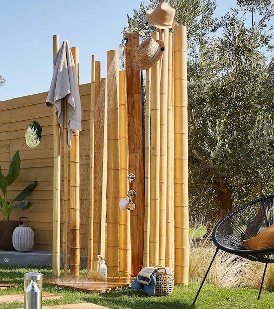 20 douches d ext rieur pour se doucher au jardin styles - Colonne de douche exterieur ...