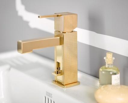 Mitigeur de lavabo doré guilloché