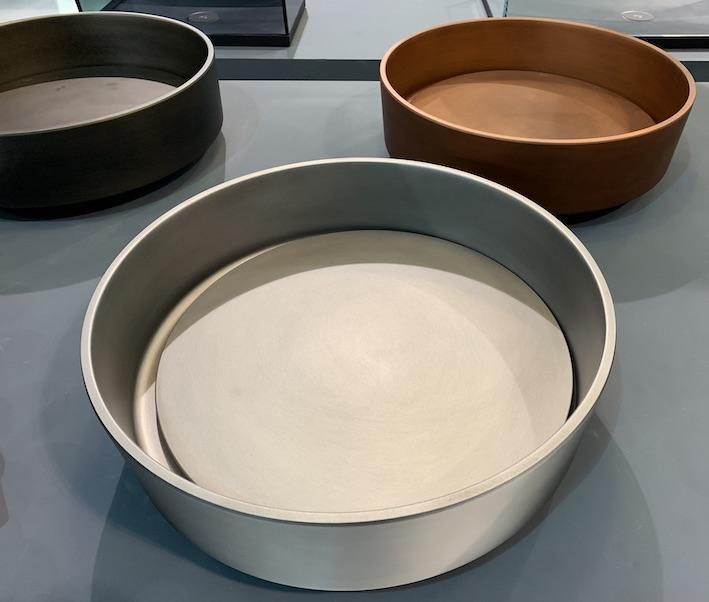vasques cylindriques avec fond amovible cachant la bonde