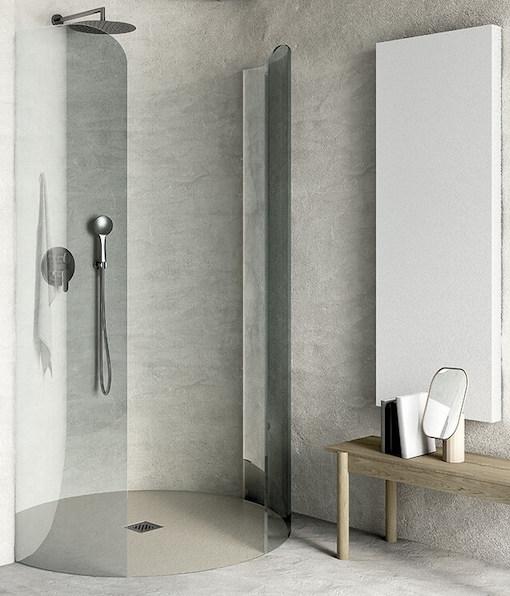 une douche à l'italienne de forme ronde
