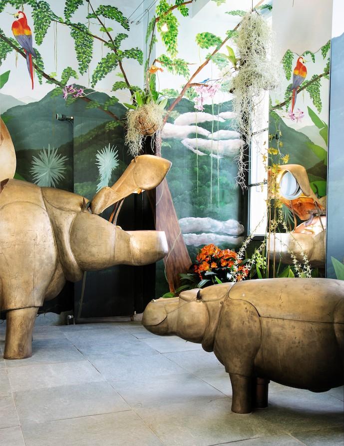 la maman baignoire hippopotame et son petit wc de lalanne