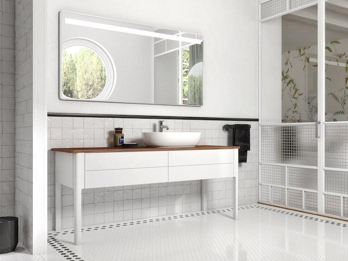 un long meuble vasque blanc avec un plan en bois