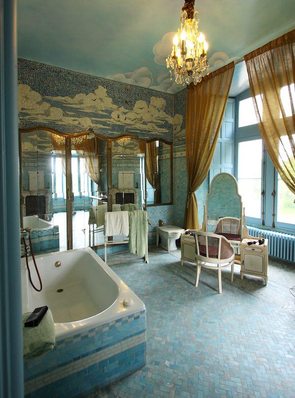 salle de bain boudoir au château de Candé