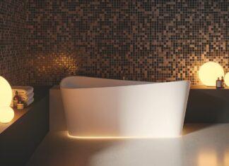 baignoire ilot blanche dont la base est éclairée