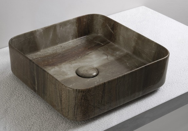 vasque carrée à poser en céramique décorée façon marbre
