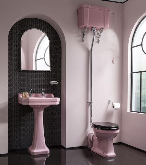 WC rose rétro avec réservoir haut